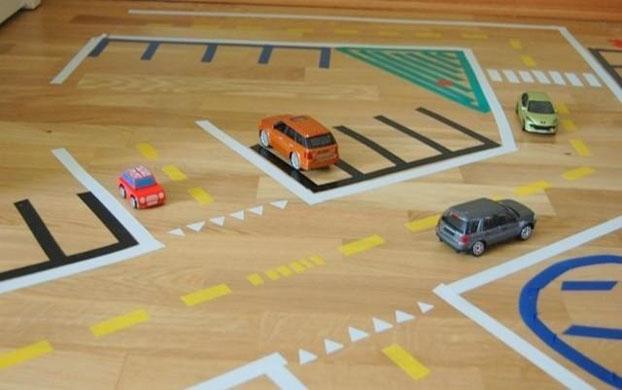 Игри вкъщи – Домашна писта за коли